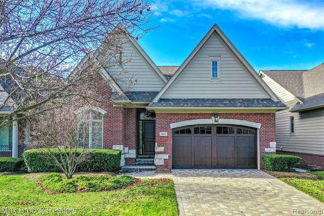 5662 Pembrooke Crossing, West Bloomfield Twp, MI 48322 (#2200094892) :: The Alex Nugent Team   Real Estate One