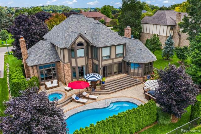 1028 Stony Pointe Blvd, Rochester, MI 48307 (#2200094901) :: The Alex Nugent Team | Real Estate One