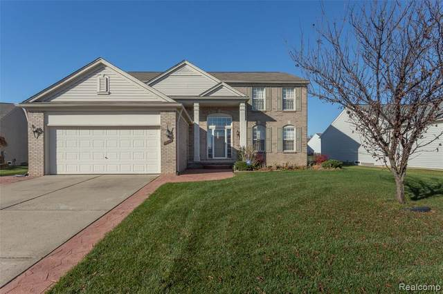 56711 Inland Court, Macomb Twp, MI 48042 (#2200095115) :: The Alex Nugent Team | Real Estate One