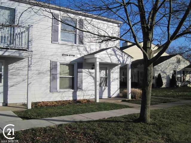2904 Meadowbrook, Lake Orion, MI 48360 (#58050029315) :: Robert E Smith Realty