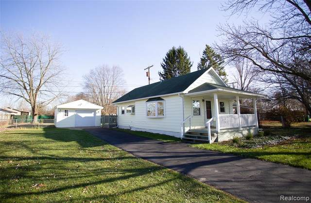 7103 Mckean Road, Ypsilanti Twp, MI 48197 (#2200095253) :: The Mulvihill Group