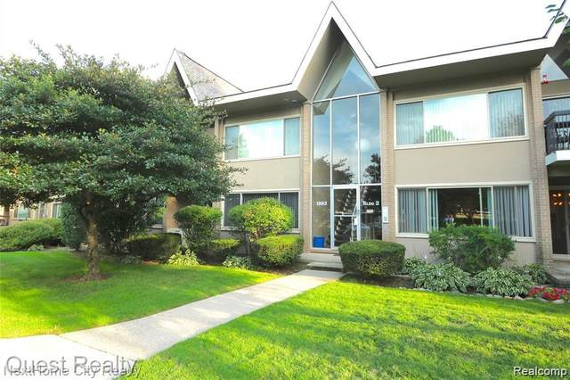 1983 Klingensmith Rd Unit 32, Bloomfield Twp, MI 48302 (#2200095294) :: NextHome Showcase
