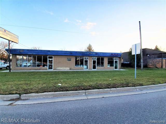 4155 Corunna Road, Flint Twp, MI 48532 (#2200095386) :: The Alex Nugent Team   Real Estate One