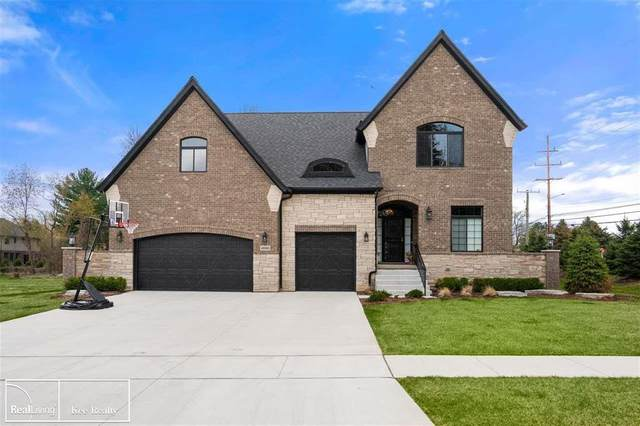 48965 Pinebrook Dr, Shelby Twp, MI 48315 (#58050029418) :: The Alex Nugent Team | Real Estate One