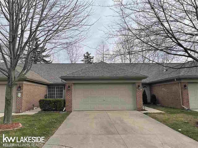 51118 Courtyard Dr, Chesterfield Twp, MI 48047 (#58050029420) :: The Alex Nugent Team | Real Estate One