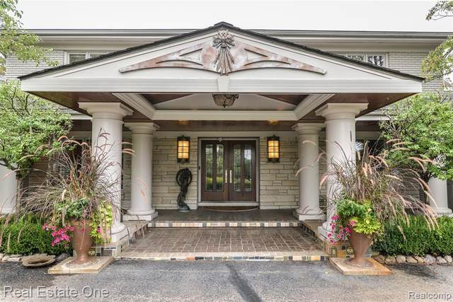 5025 S Duck Lake Road, Milford Twp, MI 48381 (#2200095618) :: The Alex Nugent Team | Real Estate One