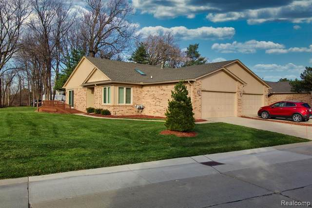 41201 Whispering Oaks Drive, Clinton Twp, MI 48038 (#2200095696) :: The Alex Nugent Team | Real Estate One
