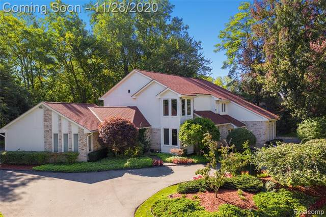 3339 Pine Estates Drive, West Bloomfield Twp, MI 48323 (#2200095848) :: The Alex Nugent Team | Real Estate One
