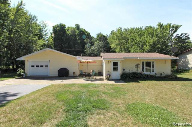 12244 Farrand Road, Forest Twp, MI 48463 (#2200095859) :: Robert E Smith Realty
