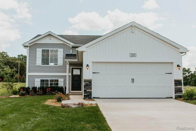 16514 Charles Town Drive, Fenton Twp, MI 48451 (MLS #2200096104) :: The John Wentworth Group
