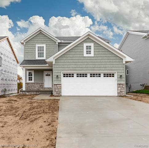 2157 Rolling Hills Drive, Holly Twp, MI 48442 (MLS #2200096454) :: The John Wentworth Group