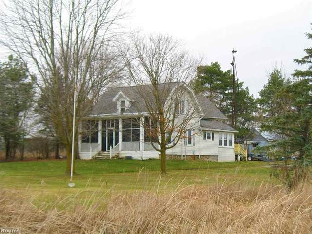 13618 Foley Rd, Mussey Twp, MI 48014 (#58050029751) :: Robert E Smith Realty