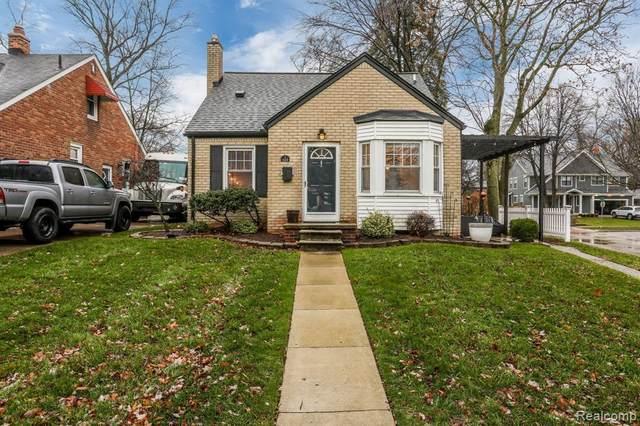 423 Aqua Crt, Royal Oak, MI 48073 (#2200096713) :: Duneske Real Estate Advisors