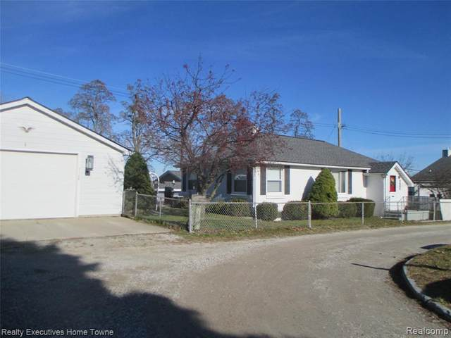 7168 Hillcrest Drive, Burtchville Twp, MI 48059 (#2200096755) :: The Merrie Johnson Team