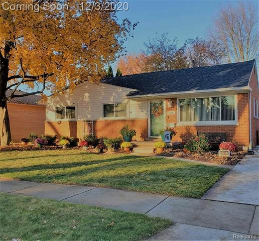 23907 Harvard Shore Drive, Saint Clair Shores, MI 48082 (#2200096806) :: The BK Agency