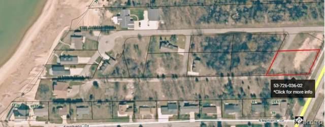 6831 Crystal Shores Drive, Caseville, MI 48725 (#2200096906) :: Novak & Associates