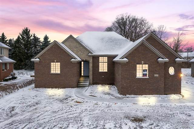 55211 Whispering Hills Drive, Shelby Twp, MI 48316 (#2200096920) :: The Alex Nugent Team | Real Estate One