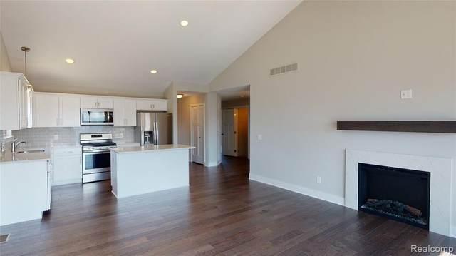 26136 Juliagrove Lane, Chesterfield Twp, MI 48051 (#2200097114) :: Duneske Real Estate Advisors