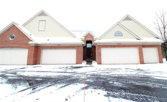 7103 Moore, Shelby Twp, MI 48317 (#2200097313) :: The Mulvihill Group