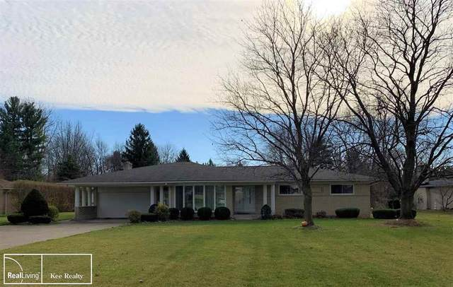 5494 Woodmire Drive, Shelby Twp, MI 48316 (#58050029944) :: The Alex Nugent Team | Real Estate One