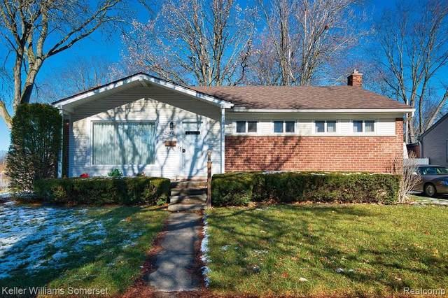 30376 W Chicago Street, Livonia, MI 48150 (#2200097500) :: GK Real Estate Team