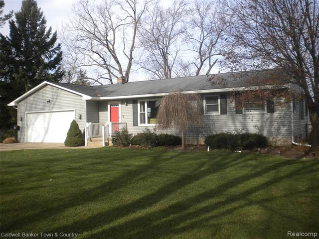 858 Henderson Road, Howell, MI 48855 (#2200097850) :: The Alex Nugent Team | Real Estate One