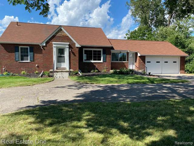 1731 E Wattles Road, Troy, MI 48085 (#2200097886) :: The Alex Nugent Team | Real Estate One