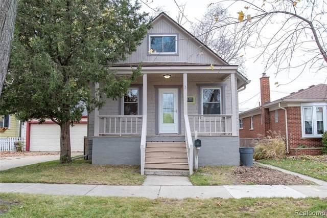 1532 Maple Street, Wyandotte, MI 48192 (#2200097985) :: The Alex Nugent Team | Real Estate One