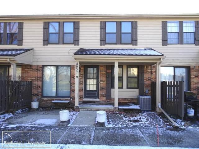 8057 Willow Lane, Warren, MI 48093 (#58050030100) :: The Alex Nugent Team | Real Estate One