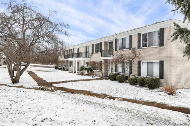 100 W Hickory Grove Rd Apt B7, Bloomfield Twp, MI 48304 (#2200098079) :: The Alex Nugent Team | Real Estate One