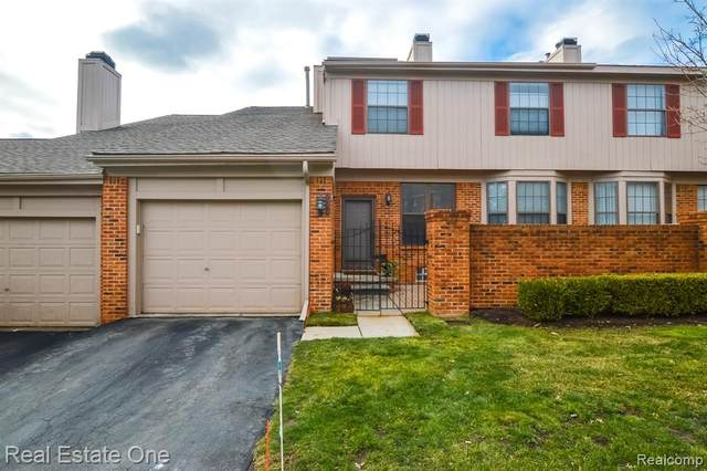 7358 Devonshire, West Bloomfield Twp, MI 48322 (#2200098491) :: Duneske Real Estate Advisors