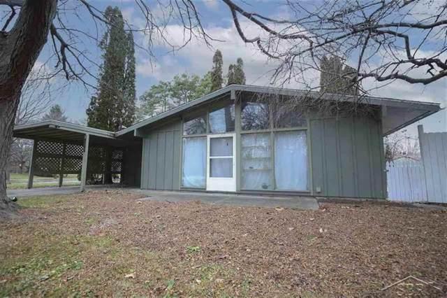 3200 Lancaster St, Midland, MI 48642 (#61050030327) :: The Alex Nugent Team | Real Estate One