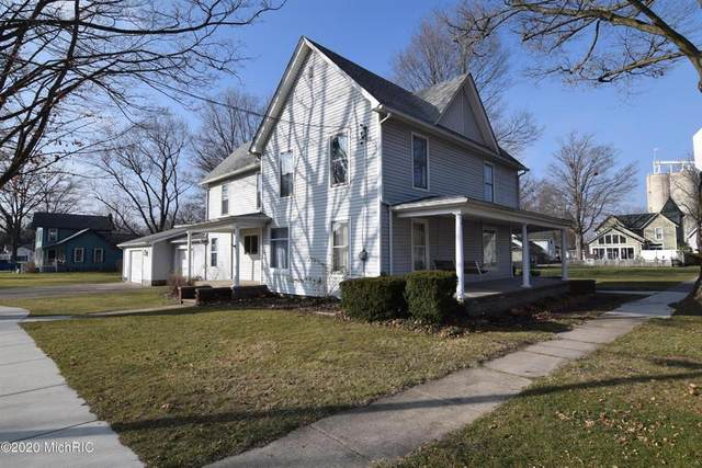 15 Pleasant St, QUINCY VLLG, MI 49082 (#62020050125) :: The Mulvihill Group