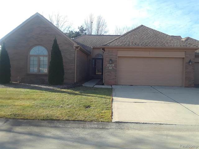 18740 Carriage Lane, Riverview, MI 48193 (#2200099465) :: The Alex Nugent Team | Real Estate One