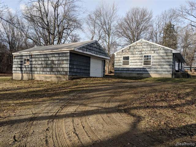 7165 Sashabaw Road, Independence Twp, MI 48348 (#2200099567) :: BestMichiganHouses.com