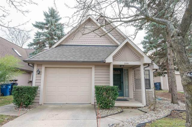 2551 Country Village Court, Ann Arbor, MI 48103 (#2200099994) :: The Alex Nugent Team | Real Estate One