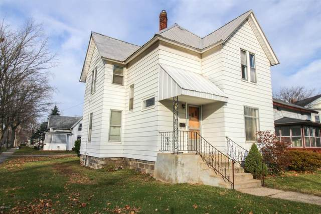 300 E Bennett Street, Three Rivers, MI 49093 (#68020049477) :: Robert E Smith Realty