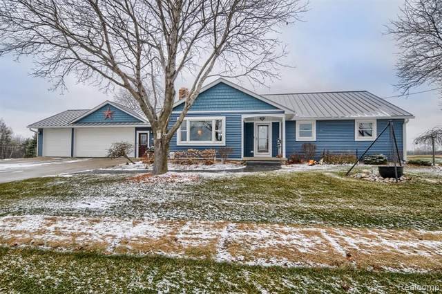 11029 E Lippincott Boulevard, Davison Twp, MI 48423 (#2200101002) :: The Mulvihill Group