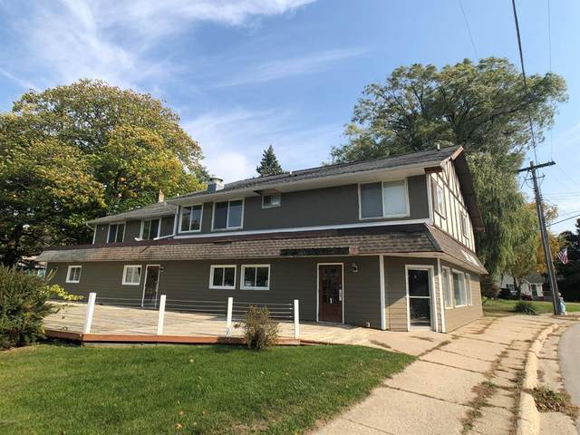 5122 Main, Onekama Vlg, MI 49675 (#67019043033) :: Real Estate For A CAUSE