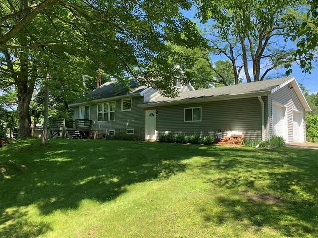 7925 E Washington Rd, COLFAX TWP, MI 49402 (#67020025829) :: The Alex Nugent Team | Real Estate One