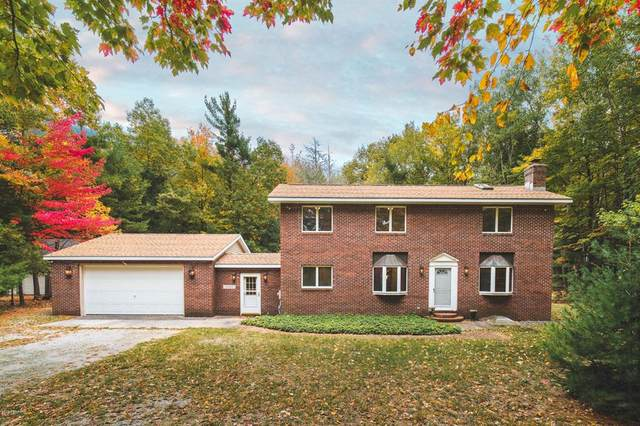 4093 College Avenue, Filer Twp, MI 49660 (#67020043994) :: The BK Agency