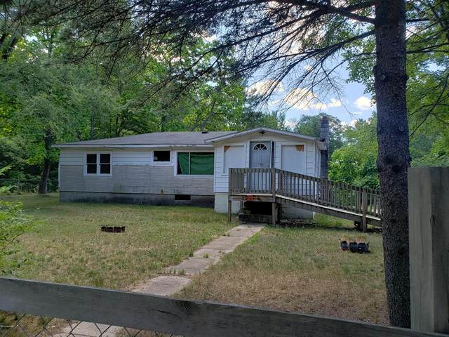 2606 Broadway, Merrill Twp, MI 49309 (#72020030474) :: Real Estate For A CAUSE