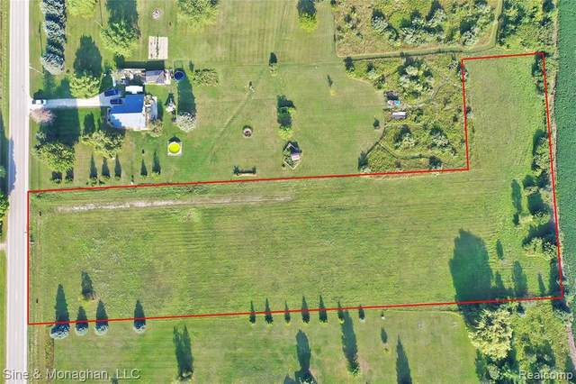 6800 Galbraith Line Road, Worth Twp, MI 48045 (#2200101423) :: Robert E Smith Realty