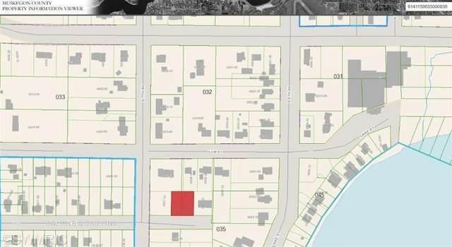 304 Peach Street, Fruitport Vlg, MI 49415 (#71014047113) :: The Mulvihill Group