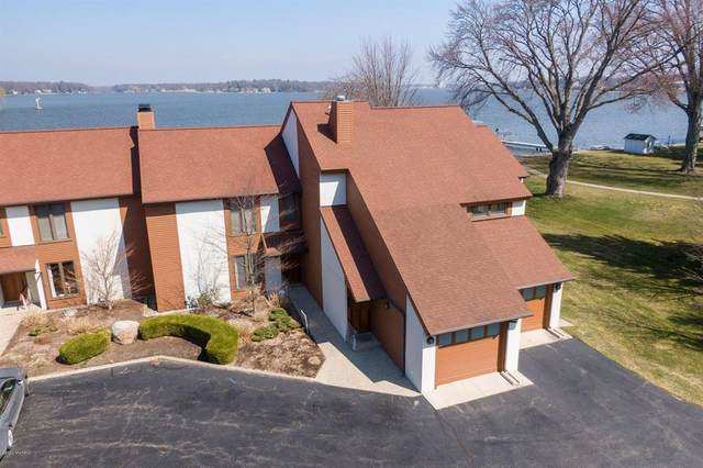 1121 South Shore Drive, Holland, MI 49423 (#71020011699) :: Duneske Real Estate Advisors