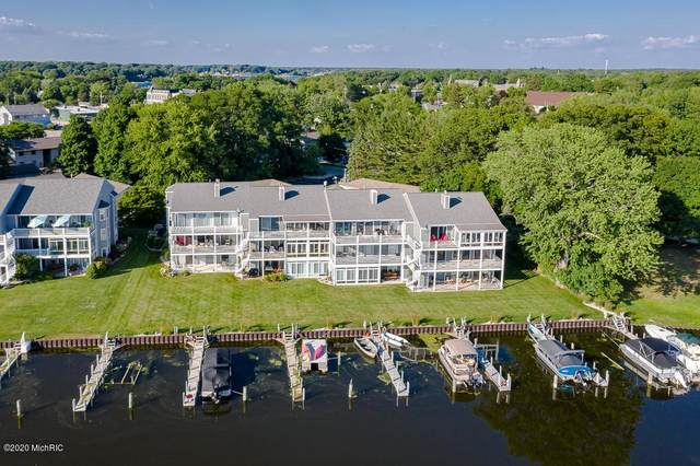 221 Riverfront Street #7, Spring Lake Vlg, MI 49456 (#71020051093) :: The Alex Nugent Team | Real Estate One