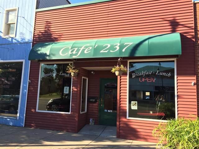 237 E Michigan Avenue, Paw Paw Vlg, MI 49079 (#66019046586) :: The Merrie Johnson Team