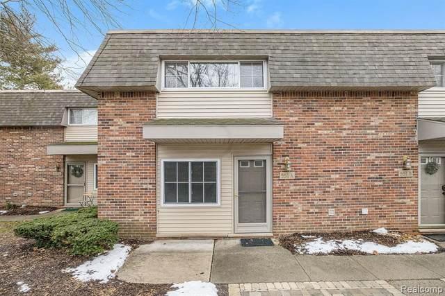 551 Longshore Drive A, Ann Arbor, MI 48105 (#2200102024) :: Robert E Smith Realty