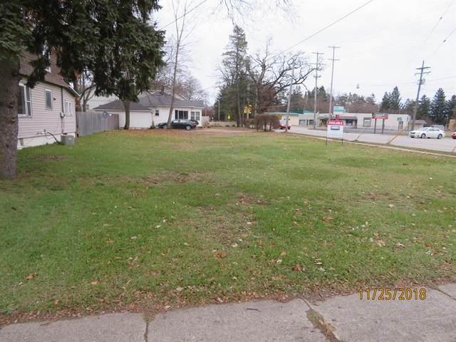 924 W Washington Street, Greenville, MI 48838 (#65020043209) :: Real Estate For A CAUSE