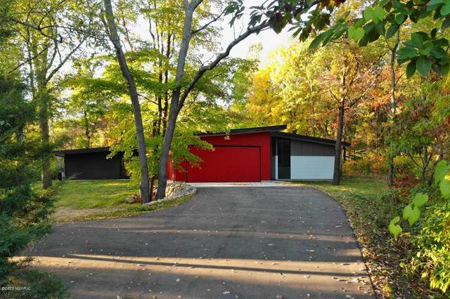 11689 Firefly Woods Drive SE, Lowell Twp, MI 49331 (#65020043816) :: Robert E Smith Realty
